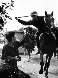 policeman hitting protestor at Orgreave