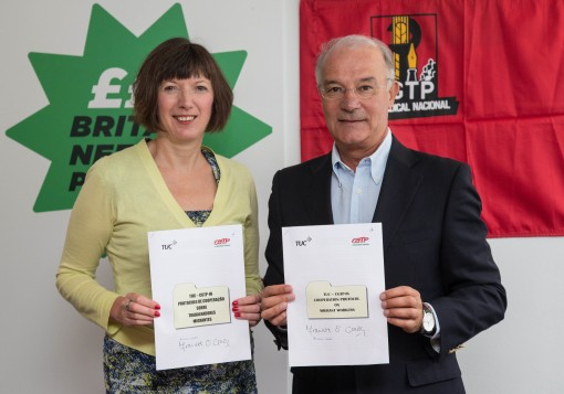 TUC General Secretary Frances O'Grady and CGTP-IN General Secretary Armenio Carlos with the new signed protocol. Photo credit: Mark Thomas
