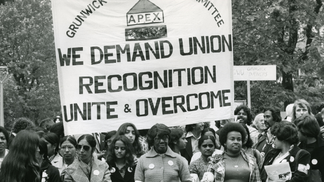 hoto credit: Photofusion/REX/Shutterstock - People Grunwick strike and picket line, October 1977